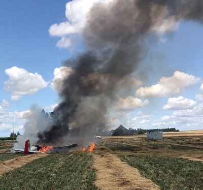 Single engine plane crash picture